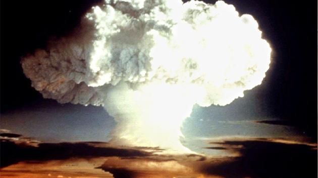 Reino Unido planeó reclutar psicópatas para poner orden en caso de una guerra nuclear
