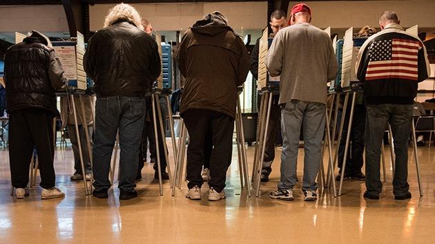 """EE.UU.: Observadores se sorprenden por un sistema de votación atado a la """"confianza"""""""