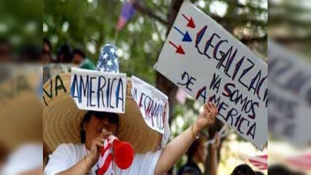 Piden amnistía para hijos de inmigrantes víctimas de las redadas en Greeley
