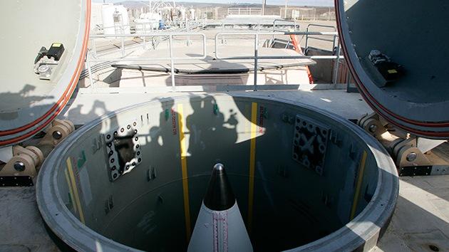 Acusan a más oficiales de misiles en EE.UU. de hacer trampas en examen de capacitación
