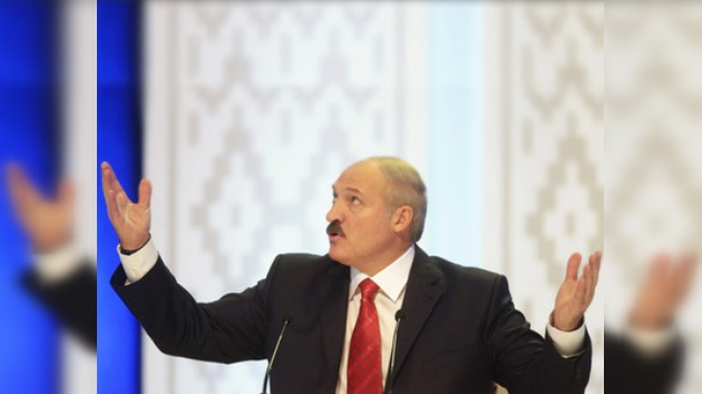 Lukashenko recibe más críticas que felicitaciones por su nuevo mandato