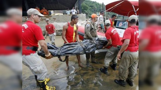 Un deslizamiento de tierra cerca de Río de Janeiro deja al menos 22 muertos