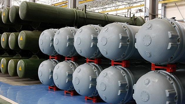 EE.UU. ofrecerá a Rusia reducir a la mitad las armas nucleares