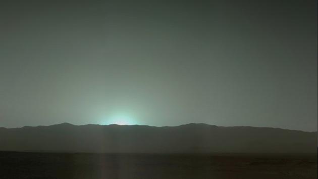Disfrute de las puestas de sol azules de Marte