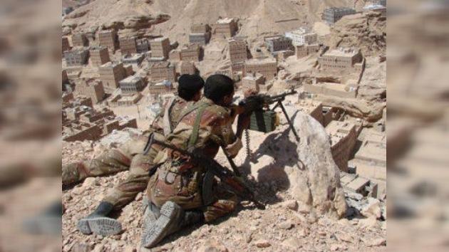 Mueren 15 militantes de Al Qaeda y 10 soldados yemeníes en enfrentamientos