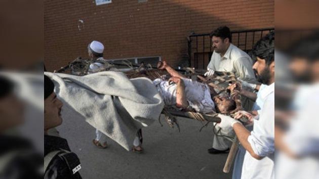 Talibanes vengan muerte de Bin laden con un doble atentado en Pakistán