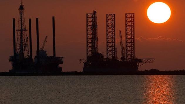 Tras alcanzar su nivel máximo, la extracción de petróleo en EE.UU. caerá