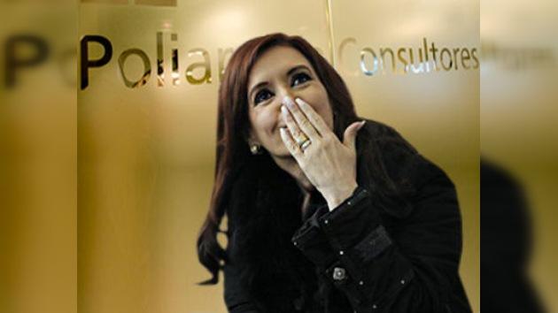 Kirchner permanecerá en la Casa Rosada tras el 23 de octubre, según los sondeos