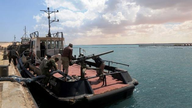 La Marina de EE.UU. rescata un petrolero secuestrado por rebeldes libios