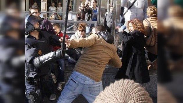 Recortes en educación convierten a Valencia en un campo de batalla