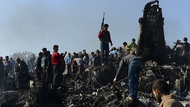 Rebeldes sirios capturan al piloto de un bombardero derribado del Ejército