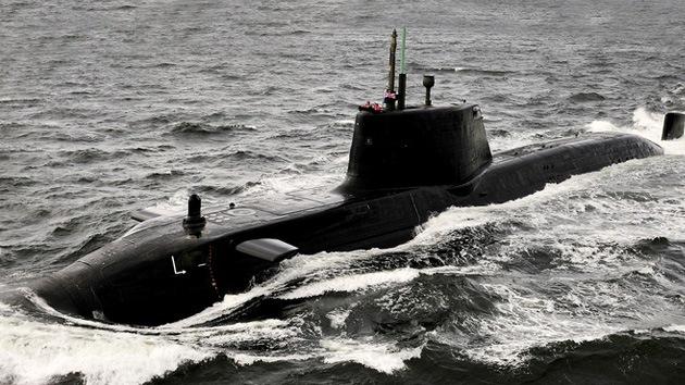 Un submarino británico y otro de EE.UU., y cuatro destructores llegan a Siria