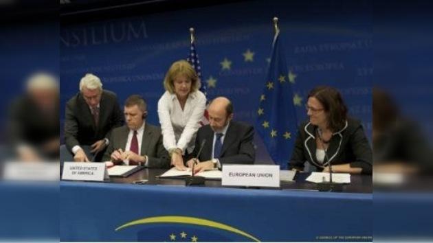 Unión Europea y EE. UU. firman acuerdo de transferencia de datos bancarios
