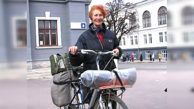 La edad no cuenta: una rusa de 71 años recorrerá 7.000 kilómetros en bicicleta