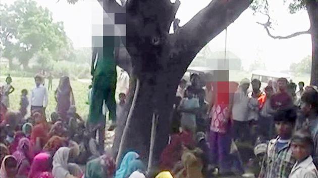Policías indios, acusados de violar y colgar en un árbol a dos niñas (FUERTES IMÁGENES)
