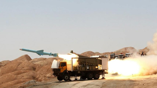 Irán prueba con éxito misiles de corto alcance de producción nacional