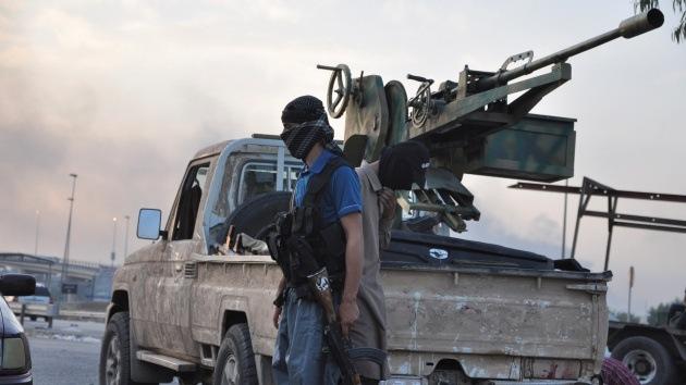 Los 4 indicios que apuntan a que EE.UU. le hace el juego al Estado Islámico en Irak
