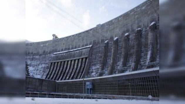 Inauguran nuevo generador hidroeléctrico en la mayor central siberiana