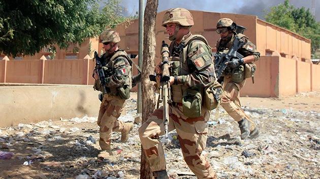 """Francia: Lanzan una operación militar a gran escala en Mali """"contra los yihadistas"""""""