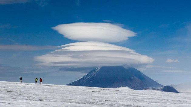 Fotos: Un fotógrafo ruso capta un raro fenómeno conocido como nubes lenticulares