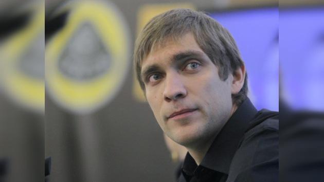 Vitali Petrov podría aparecer en la Fórmula 1 a mitad de año