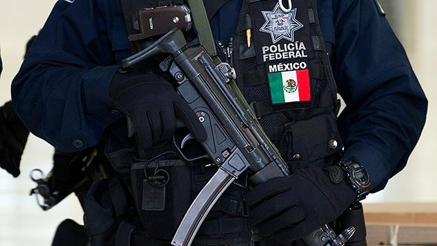 Un policía mexicano viola a una niña de 12 años tras haber detenido a su madre