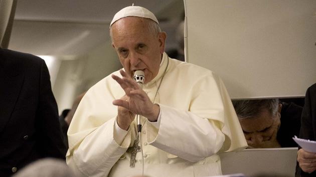 """Papa Francisco: La puerta al matrimonio de los sacerdotes """"está siempre abierta"""""""
