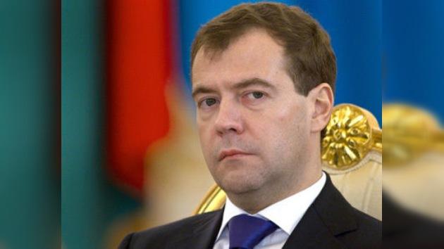 Dmitri Medvédev hace su balance del 2010 en vivo ante la prensa