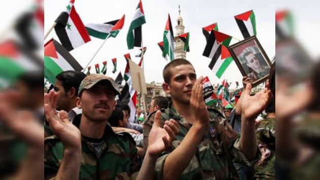 Al Assad indulta a 97 opositores, cumpliendo el plan de paz de Annan