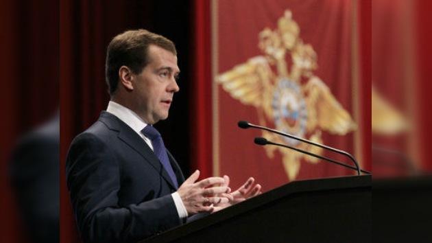 Medvédev: Rusia reforzará la lucha contra la delincuencia en Internet