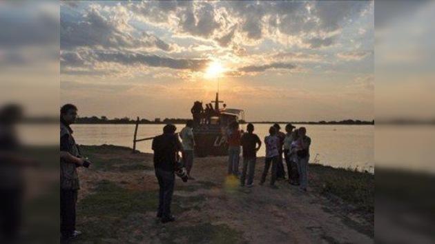 Socorristas buscan a cuatro desaparecidos tras accidente en el río Paraguay
