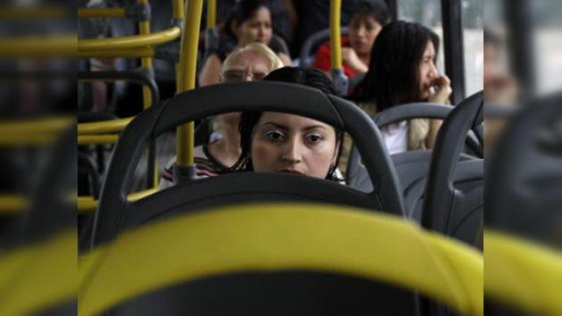 En la capital guatemalteca empiezan a circular autobuses para mujeres