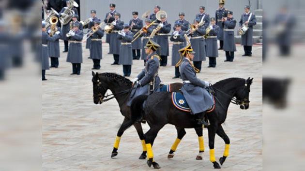 Moscú celebra su solemne y tradicional ceremonia de relevo de la guardia