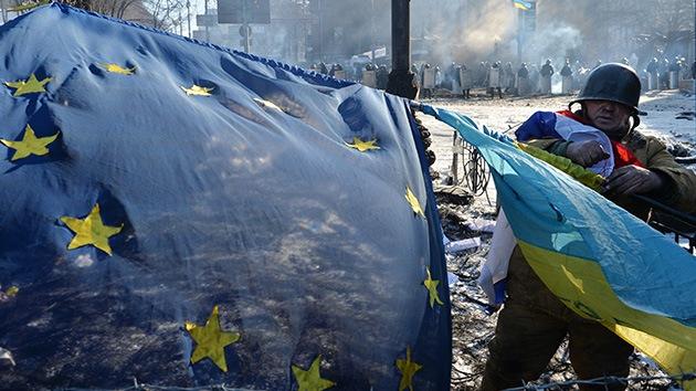 La UE y EE.UU. preparan un plan de ayuda financiera para Ucrania a corto plazo