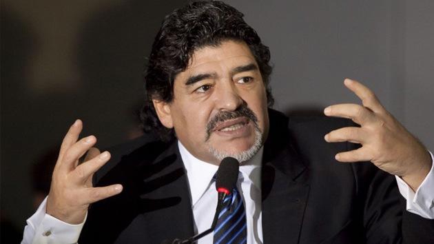 """Diego Maradona al papa: """"Me estás dando chispazos de cosas humanas"""""""
