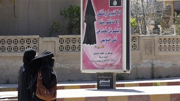 El Estado Islámico recluta a combatientes femeninas para castigar a otras mujeres