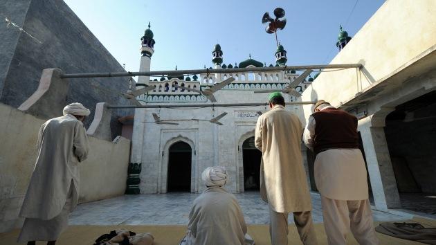 Muertos y heridos en un atentado en una mezquita en Pakistán