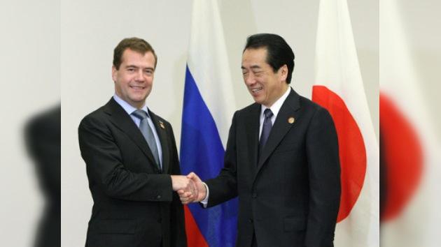 Los líderes de Rusia y Japón se reúnen por la disputa territorial