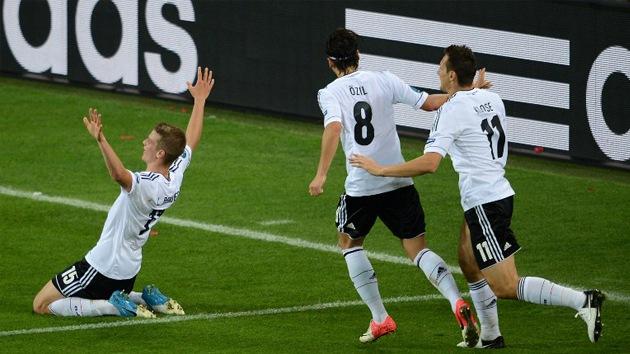Alemania se clasifica para cuartos de la Eurocopa ganándolo todo