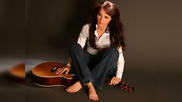 La cantante rumana Madalina Manole se suicida en su cumpleaños