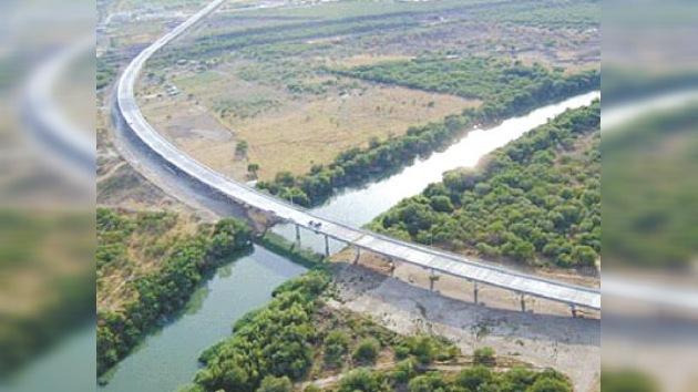 EE.UU. y México inaugurarán el puente fronterizo más largo