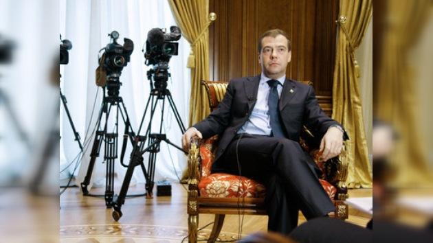 Medvédev, sí participa en las próximas presidenciales