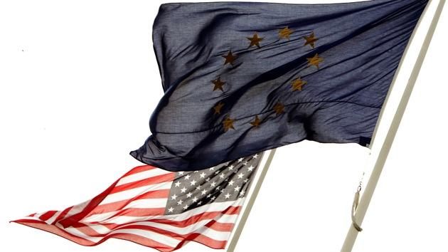 """EE.UU. impone una guerra de sanciones a Rusia """"para saquear"""" la Unión Europea"""