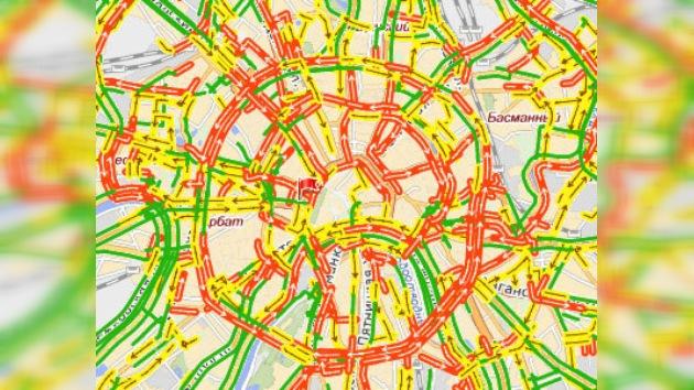 Moscú sigue en espera de una solución a los atascos de tráfico