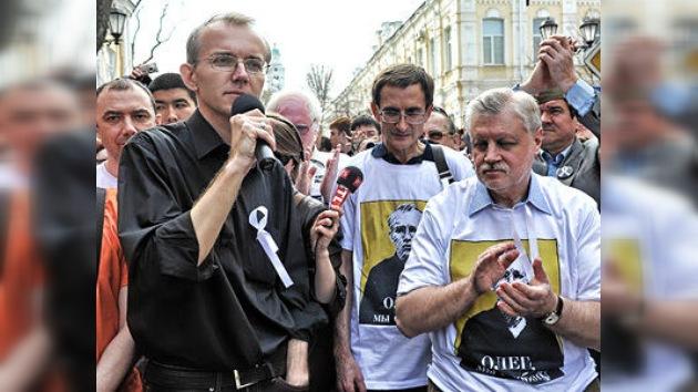 El ex candidato a una alcaldía regional rusa cesa su huelga de hambre tras 40 días