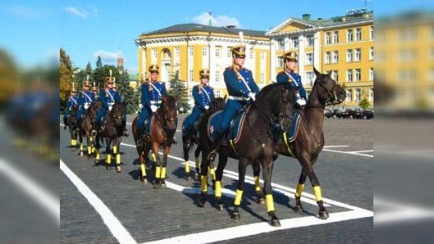 La caballería del Kremlin presenta por primera vez sus habilidades