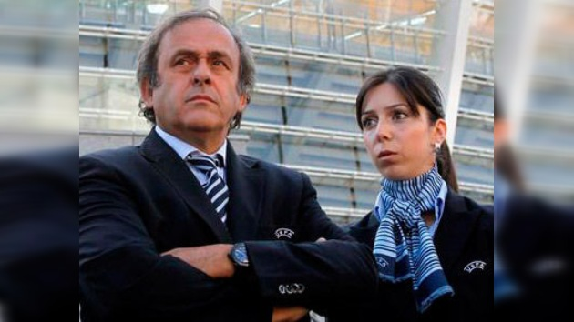 """Michel Platini, """"completamente tranquilo"""" con el ritmo de Ucrania para la Eurocopa 2012"""