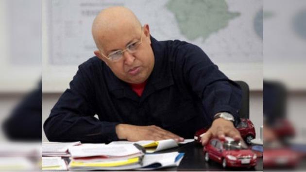 Chávez provee a Venezuela de autos al alcance de todos
