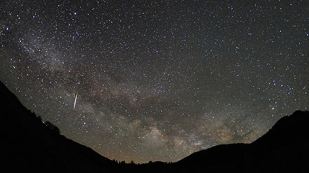 Lluvia de estrellas a la vista: Las Líridas iluminarán el cielo esta noche