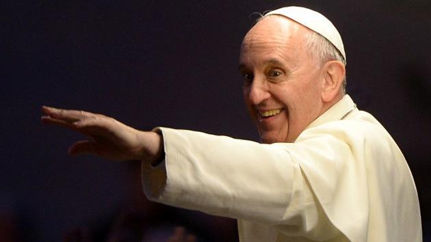 """El papa insta a la Iglesia a despojarse de """"la vanidad y la arrogancia"""""""